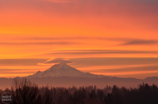 mtrainier-sunrise-1